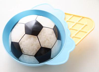 サッカーボール ランチ