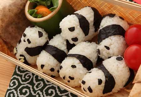 パンダおにぎり–おにぎり1000本ノック