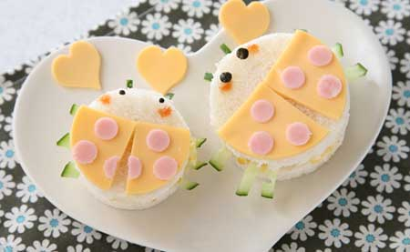 サンドイッチでバレンタイン テントウムシ