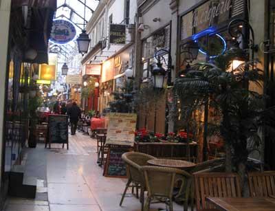 パリの横丁