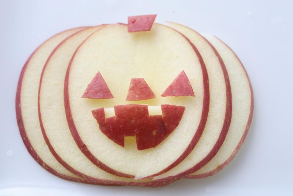 りんごでジャックオーランタン