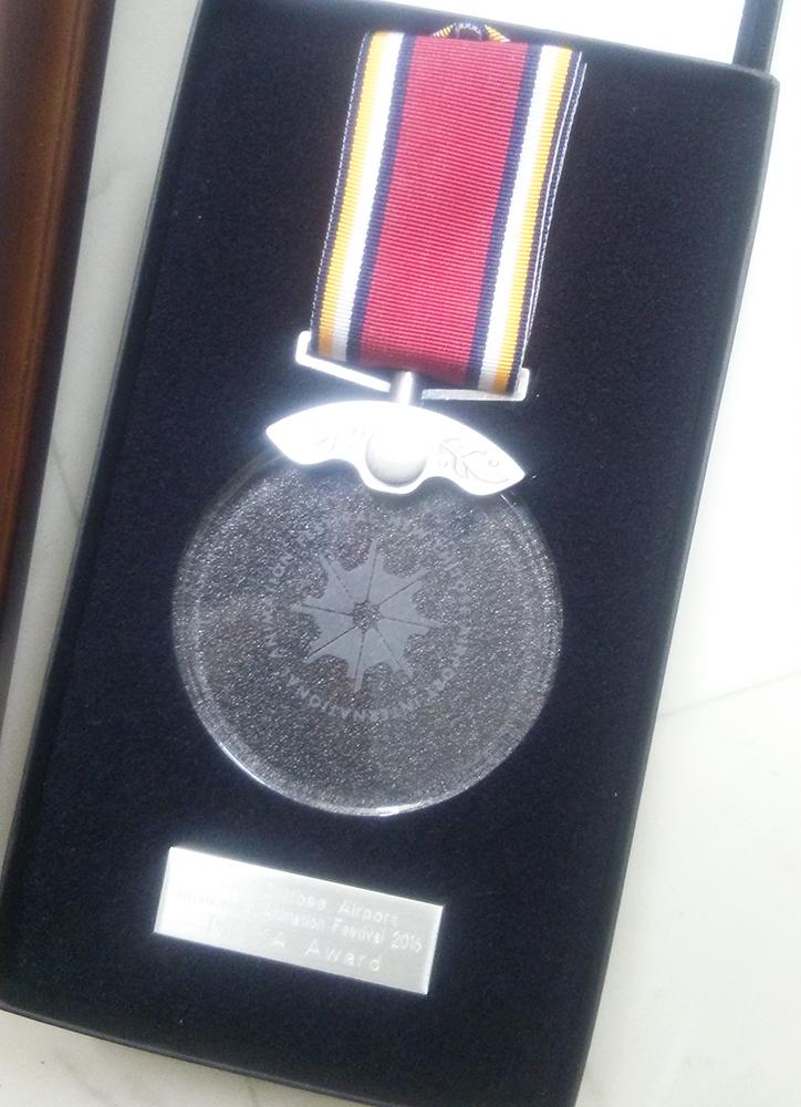 ISHIYA賞受賞メダル